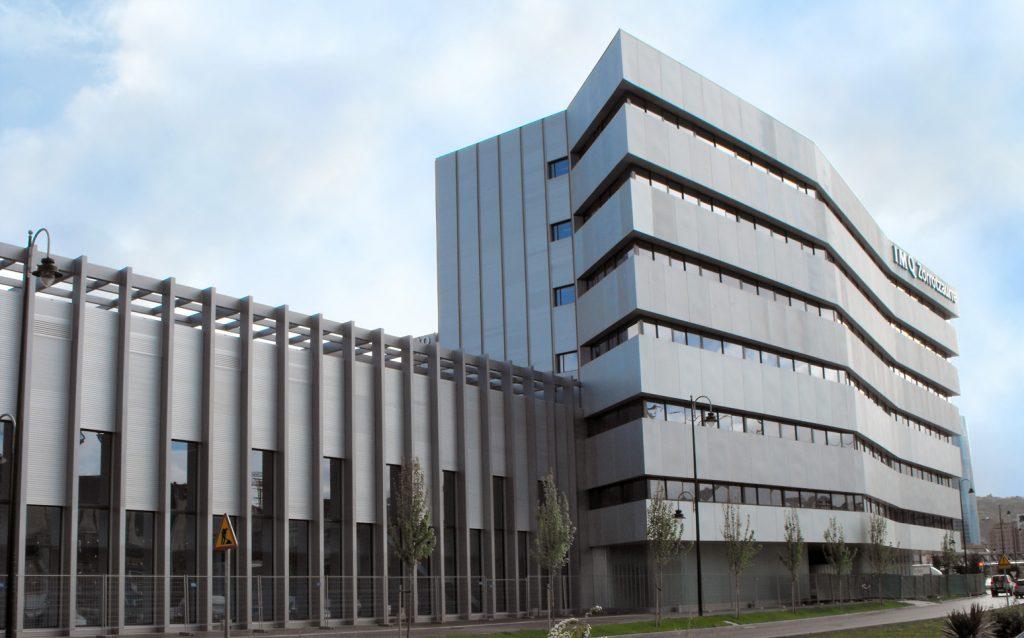 Nueva cl nica del imq en la zona de zorrotzaurre for Imq oficinas centrales bilbao bilbao